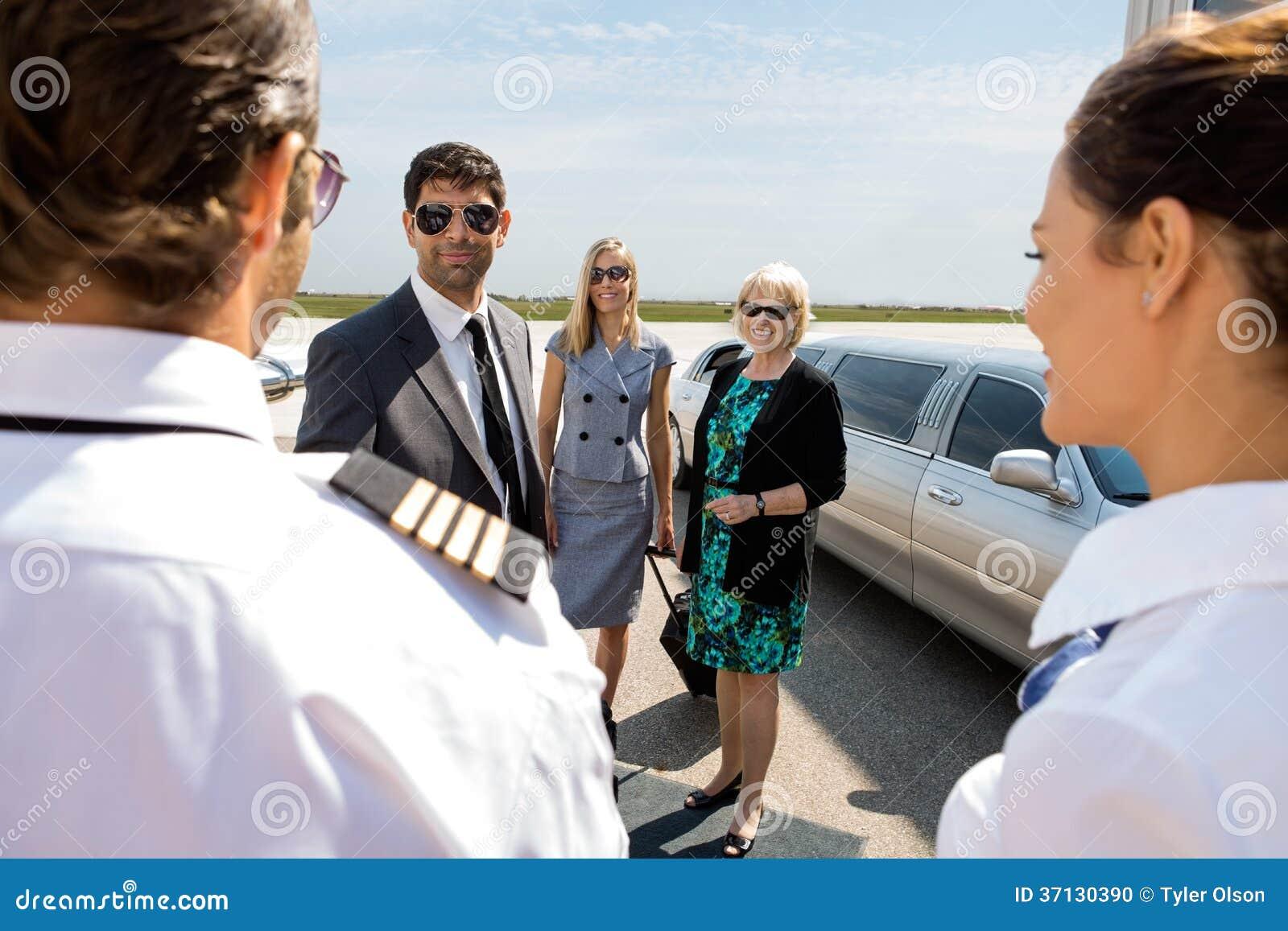 招呼企业的专家飞行员和