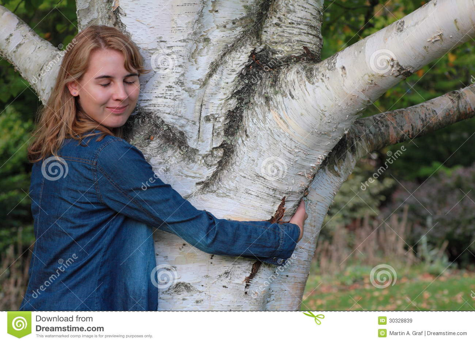 Download 树hugger 库存图片. 图片 包括有 幸福, 两足动物, 欧洲, 感觉, 大麦, 藏品, 白种人, 姿态 - 30328839