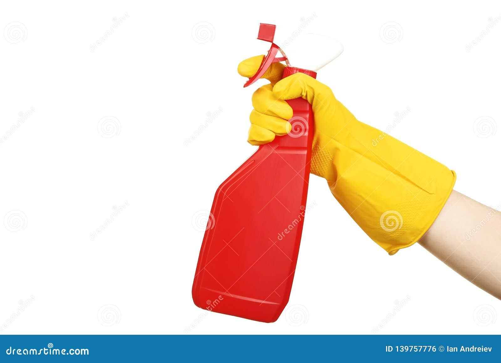 拿着与洗涤剂的手浪花