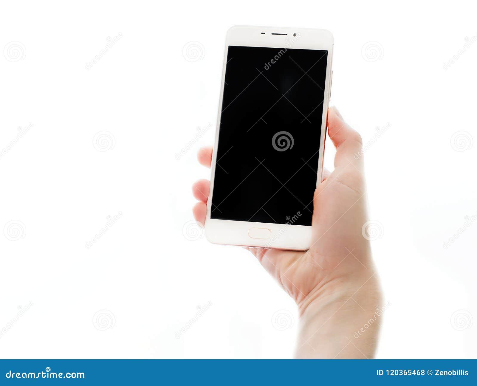 拿着有黑屏幕的女性手智能手机隔绝在白色背景 移动设备关闭  概念的嘲笑