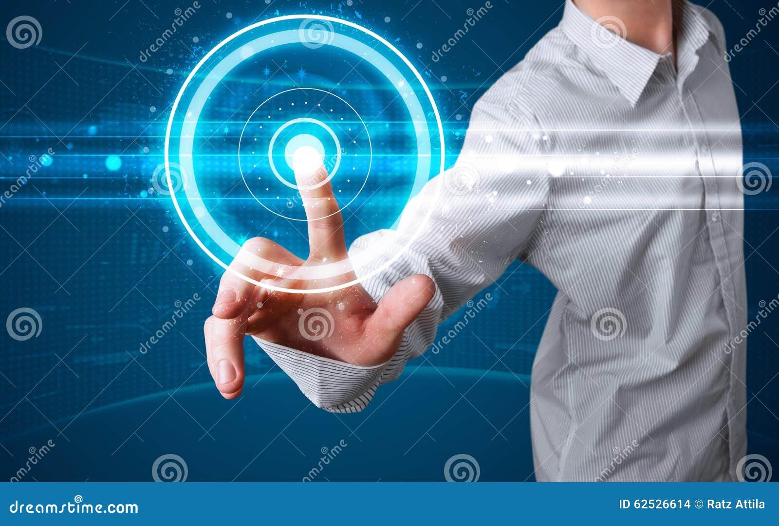 按现代按钮的高科技类型生意人