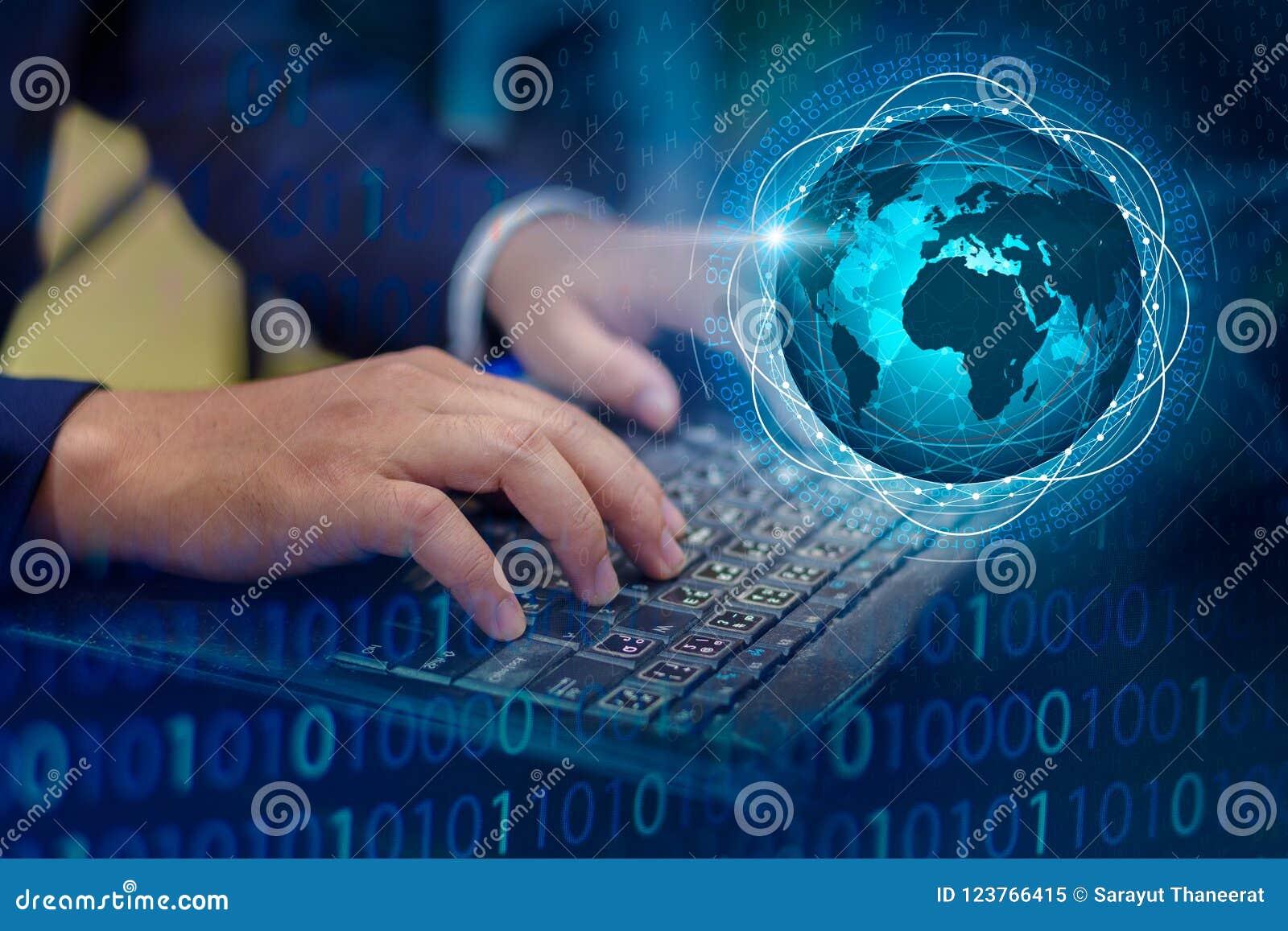 按进入在计算机上的按钮 企业后勤学通讯网络世界地图传送信息连接keyboar全世界的手