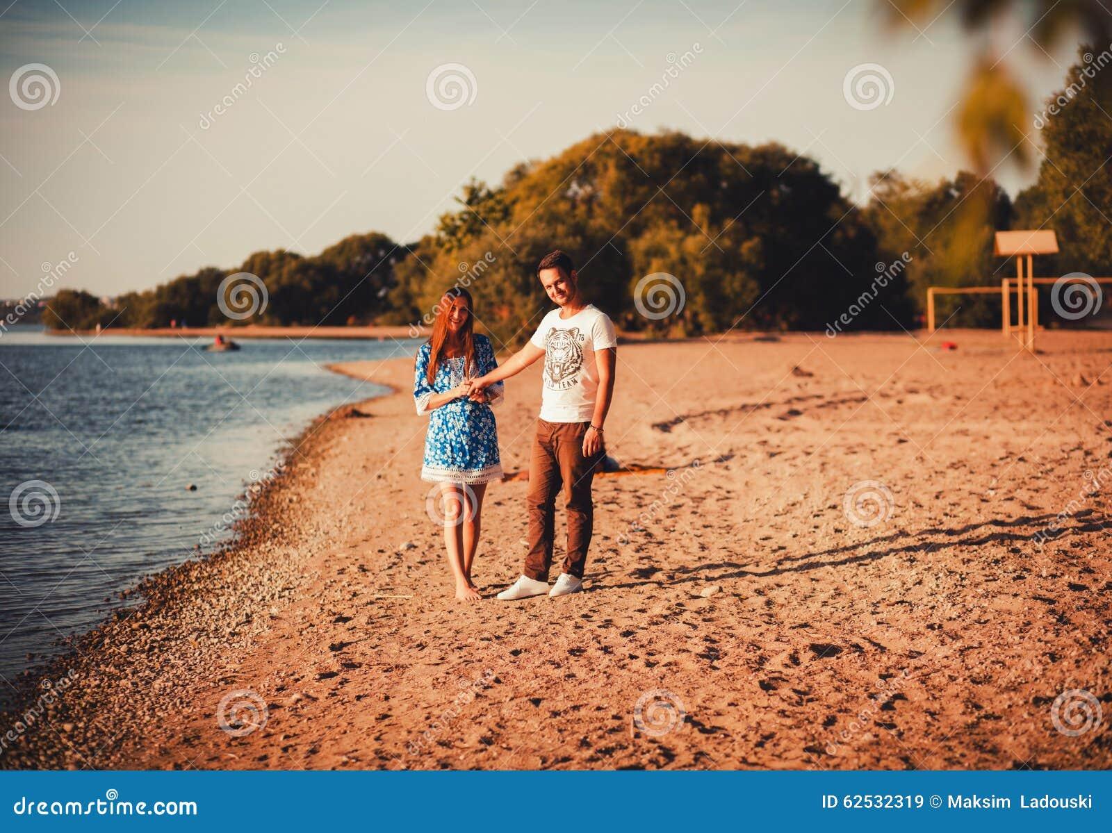 握现有量的浪漫夫妇