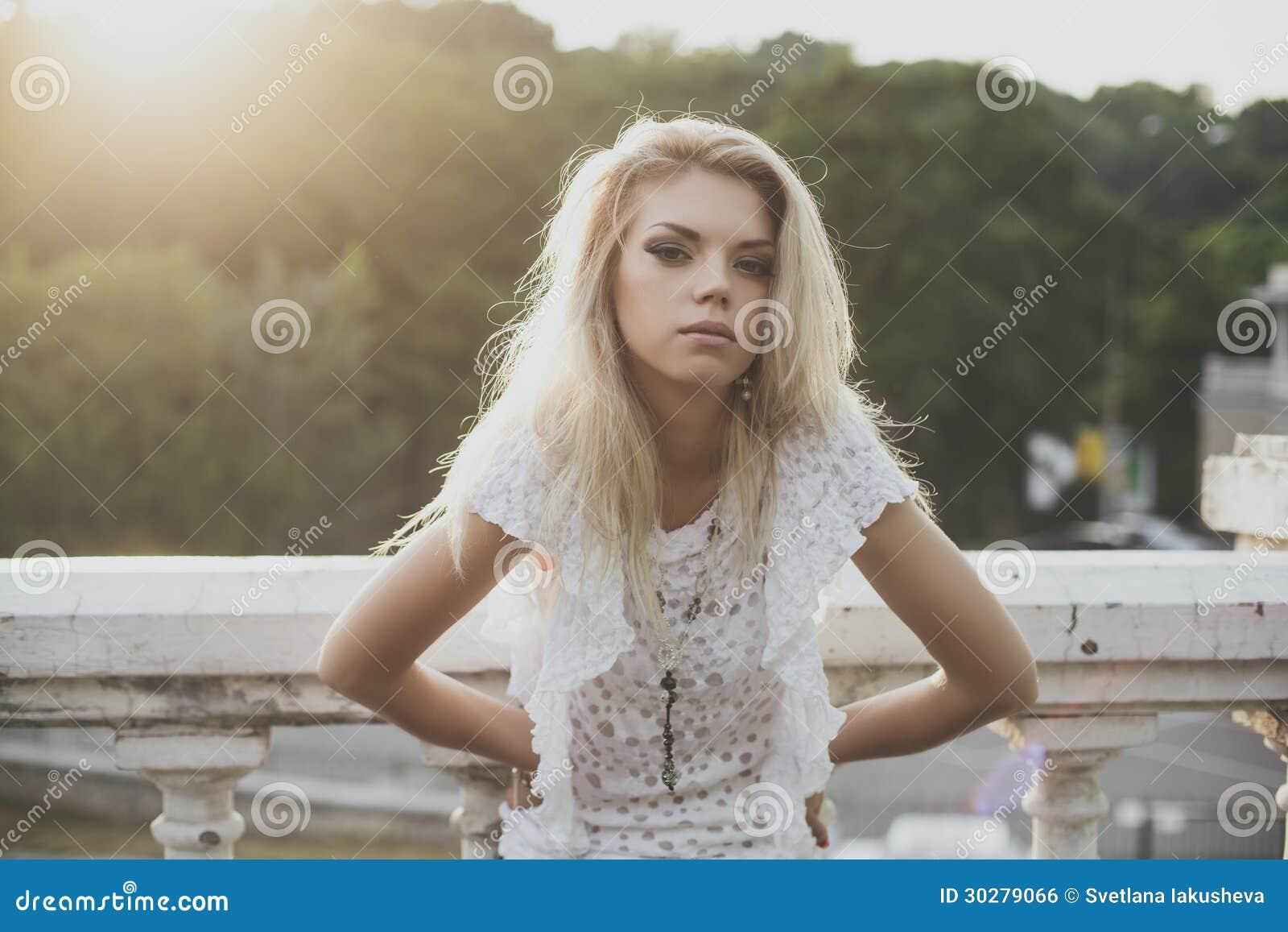 白肤金发的模型
