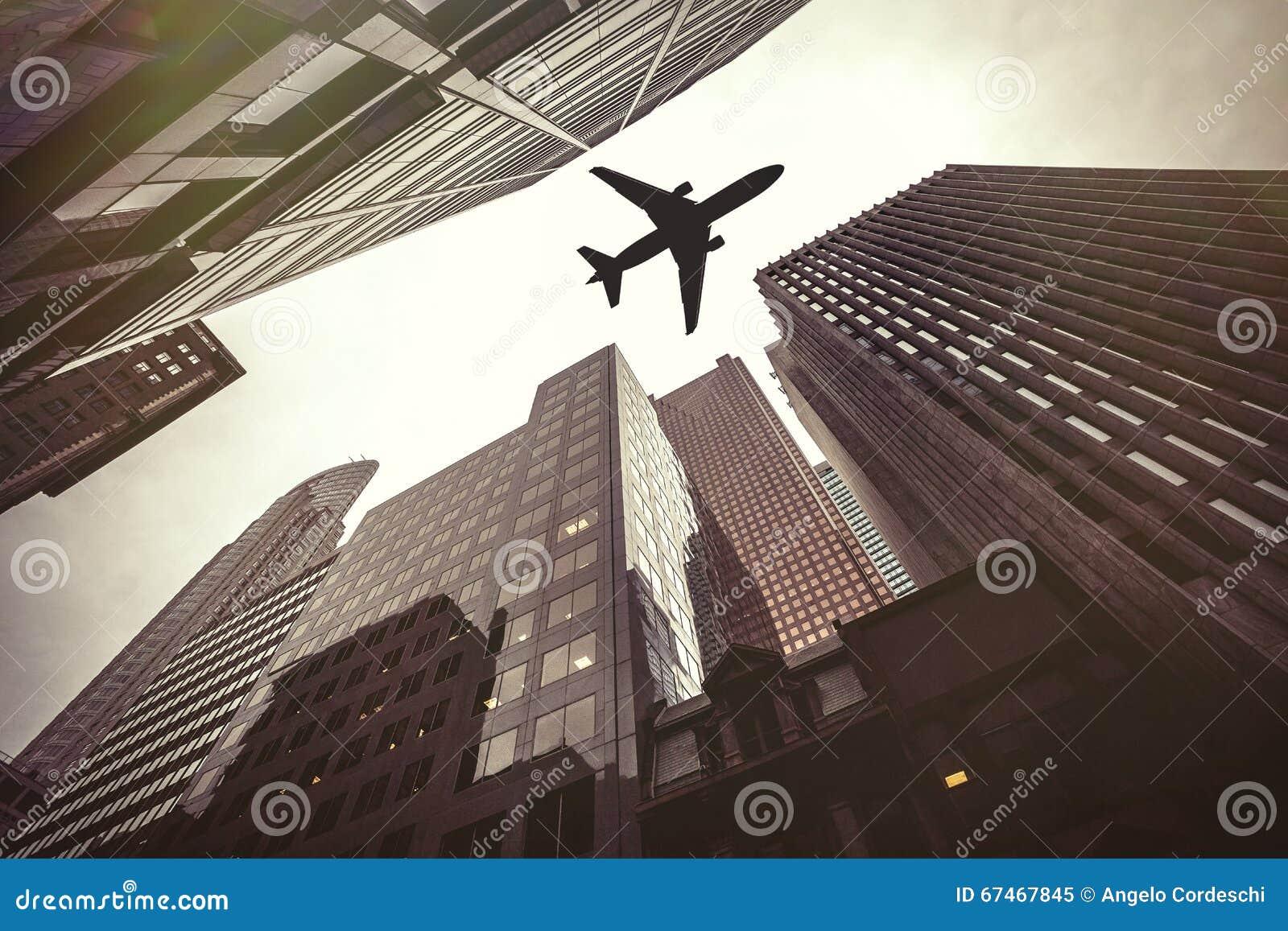 摩天大楼和飞机 航空安全