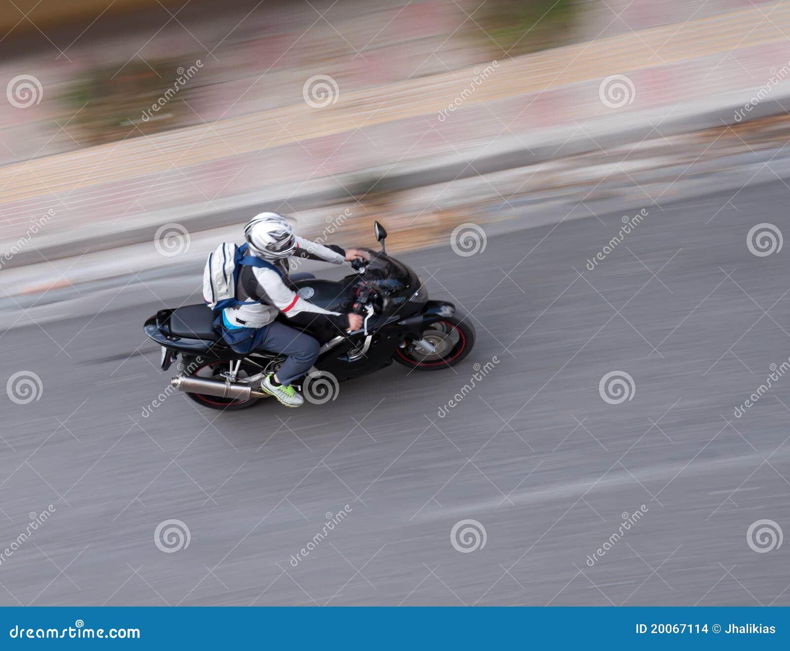 摩托车摇摄