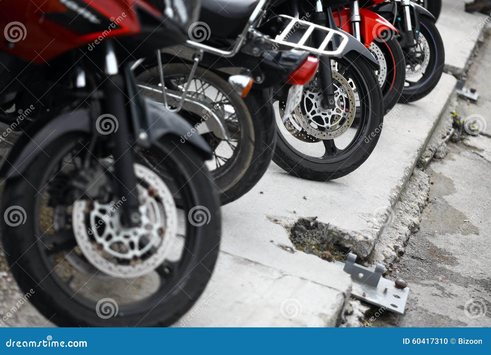 摩托车轮子