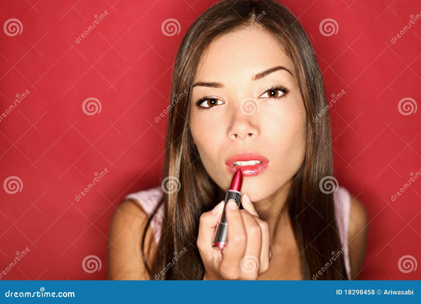 放置妇女的唇膏构成