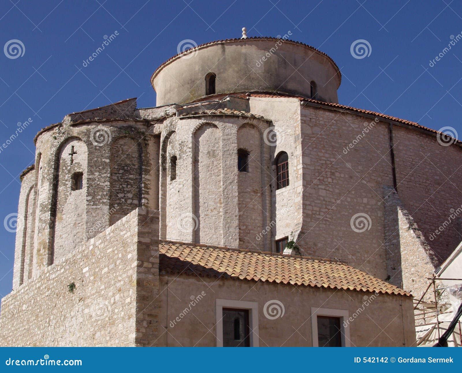 Download 教会接近的多纳特st 库存照片. 图片 包括有 圣徒, 教会, 拱道, 宗教, 纪念碑, 晴朗, 蓝色, 宗教信仰 - 542142