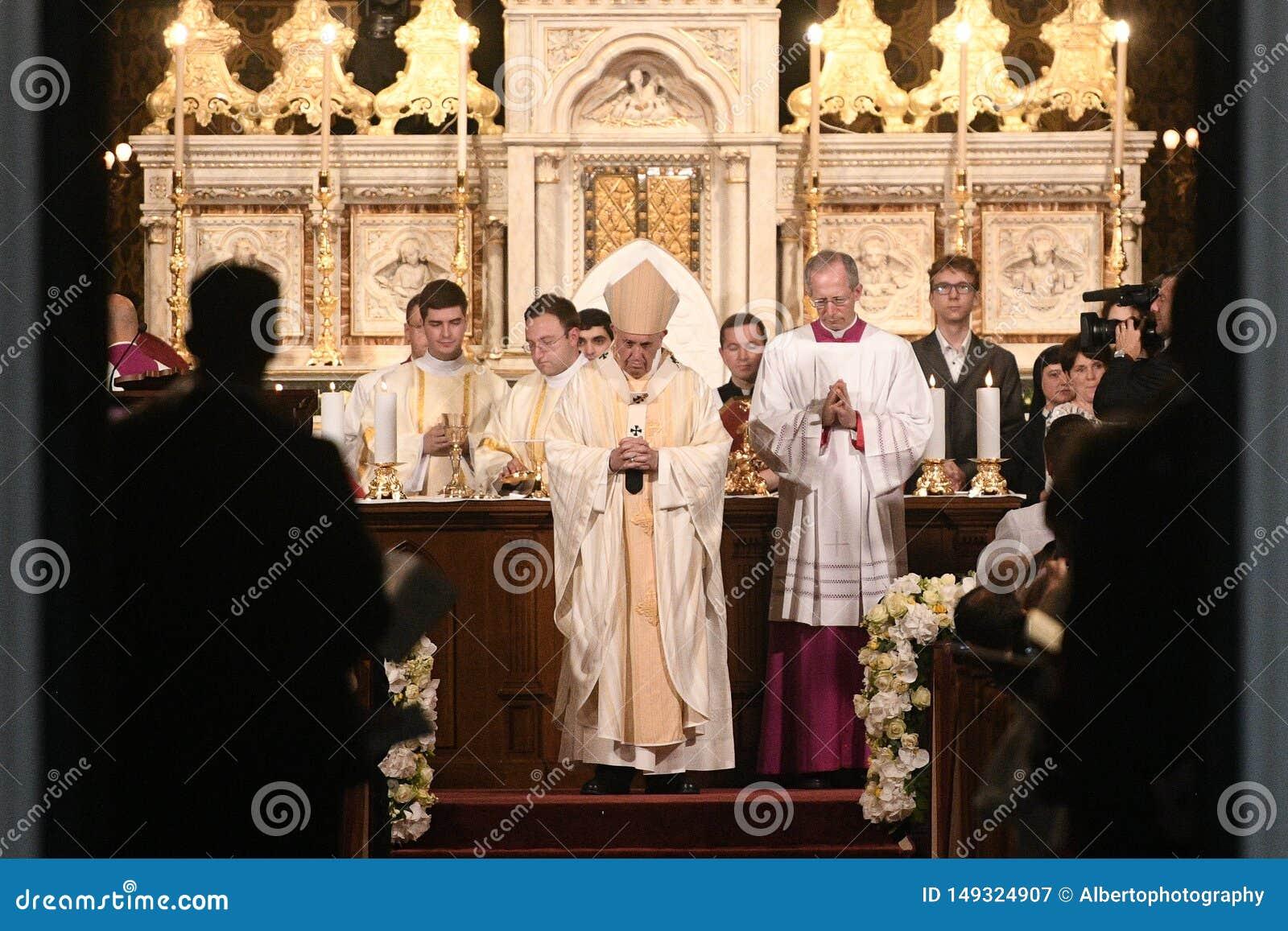 教皇方济各参观向罗马尼亚