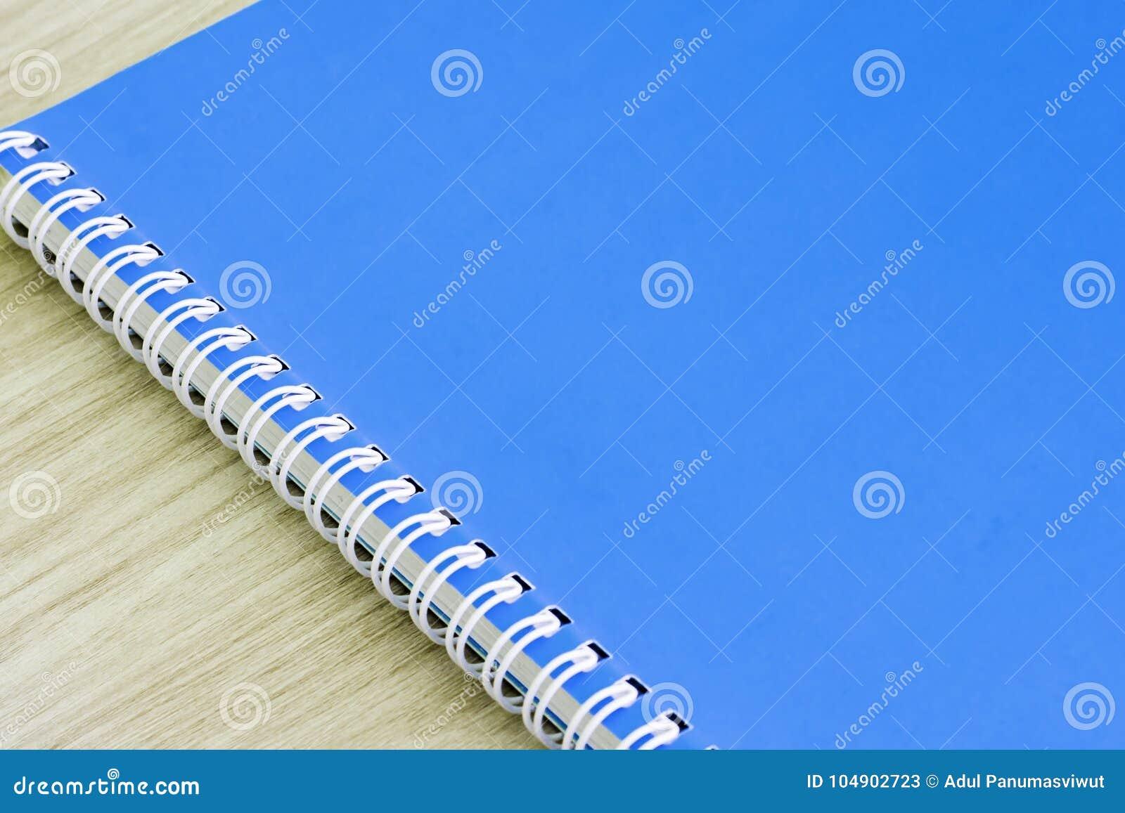 教育产业想法书套的空白的蓝皮书空的盖子书螺旋文具学校用品设计笔记本备忘录