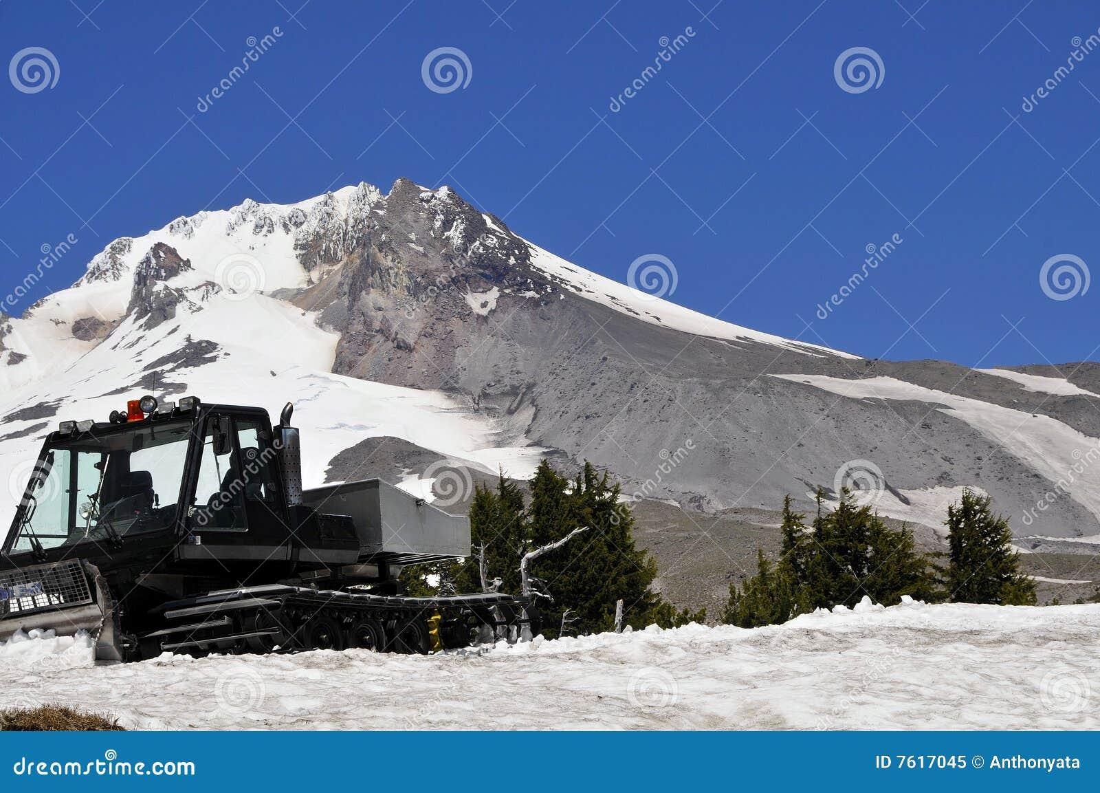敞篷mt犁雪