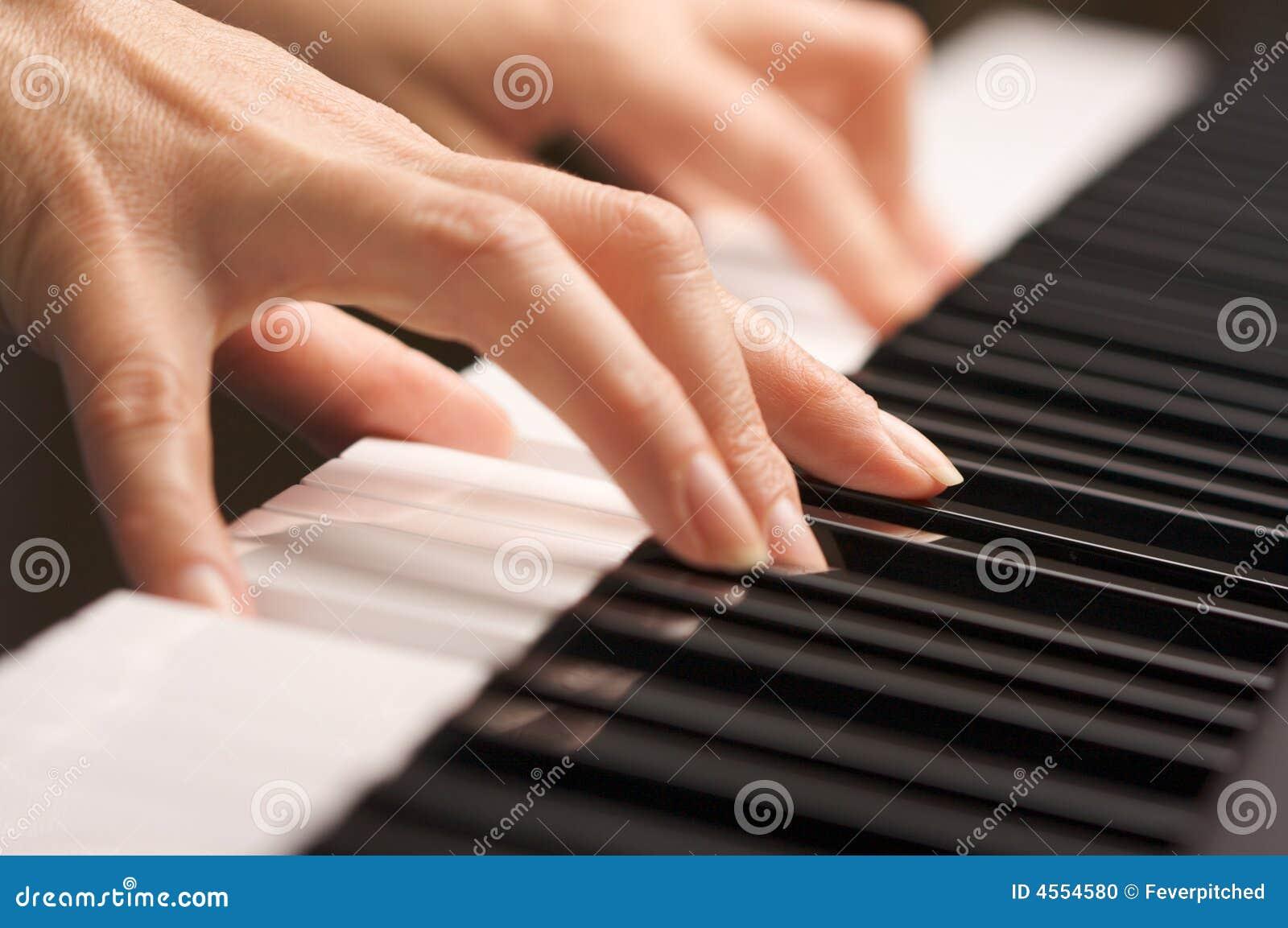 数字式手指关键字钢琴s妇女图片