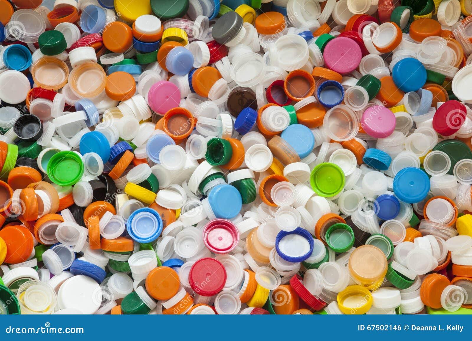 数百明亮地色的塑料瓶盖