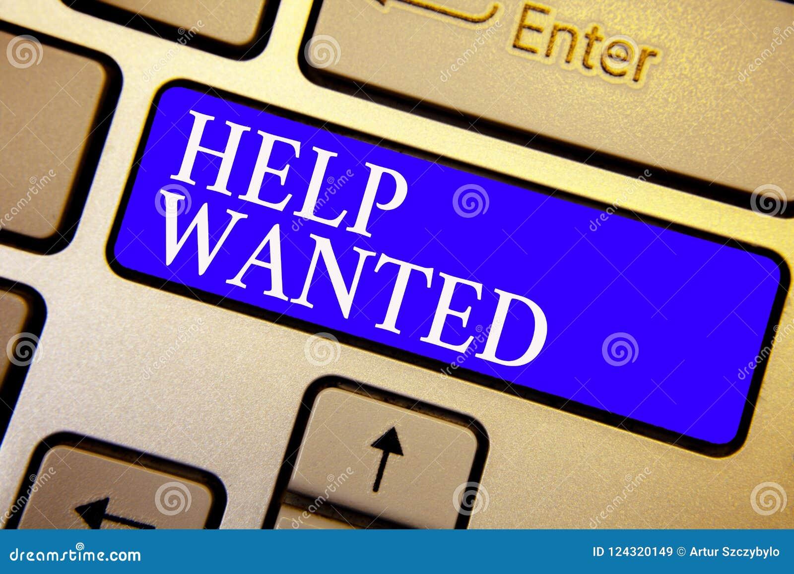 文本标志被要的陈列帮助 在报纸安置的概念性照片广告由雇主寻找雇员键盘蓝色钥匙