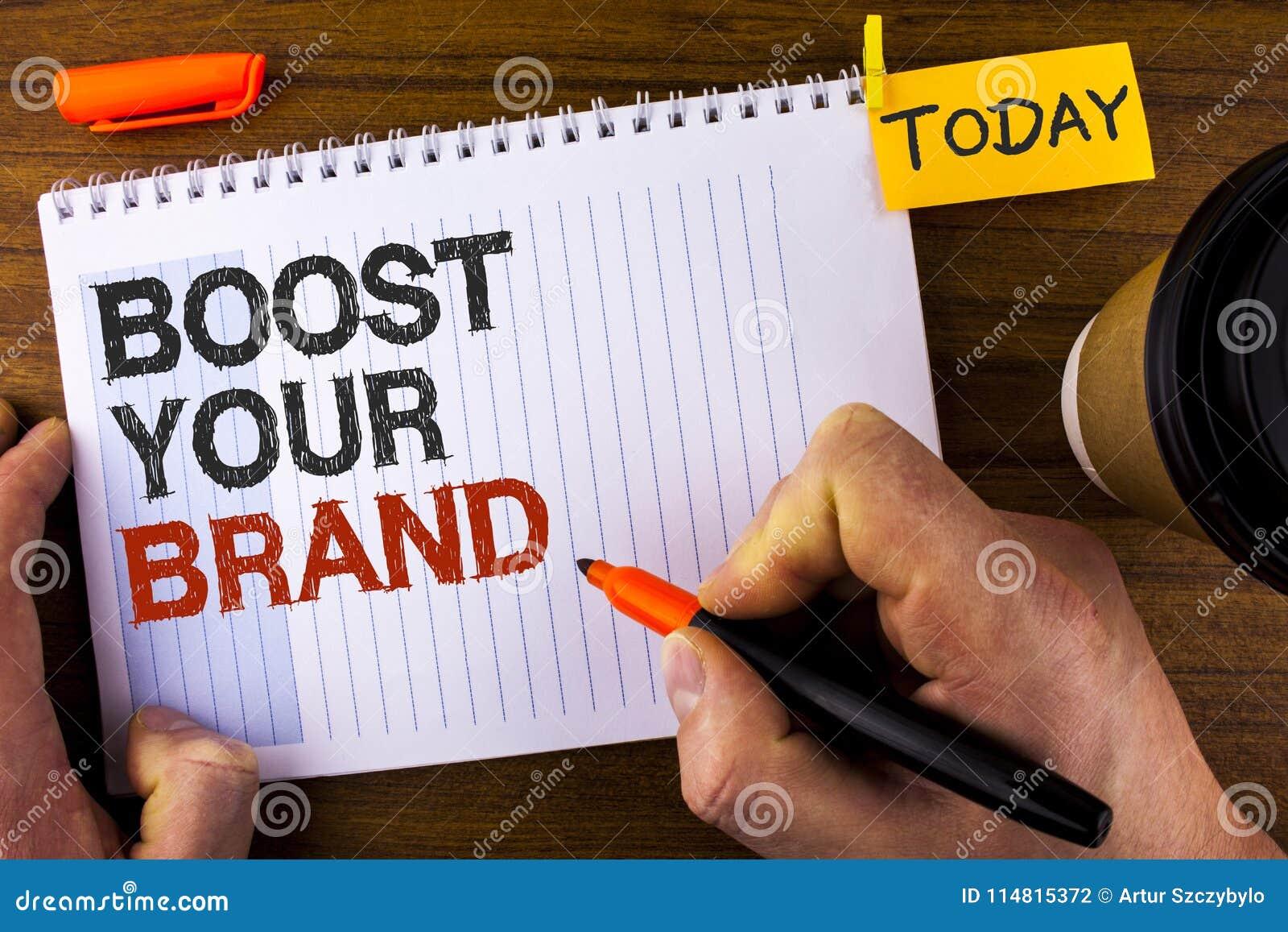 文本标志陈列助力您的品牌 概念性照片改进您的在人写的您的领域被克服的竞争者的模型名字