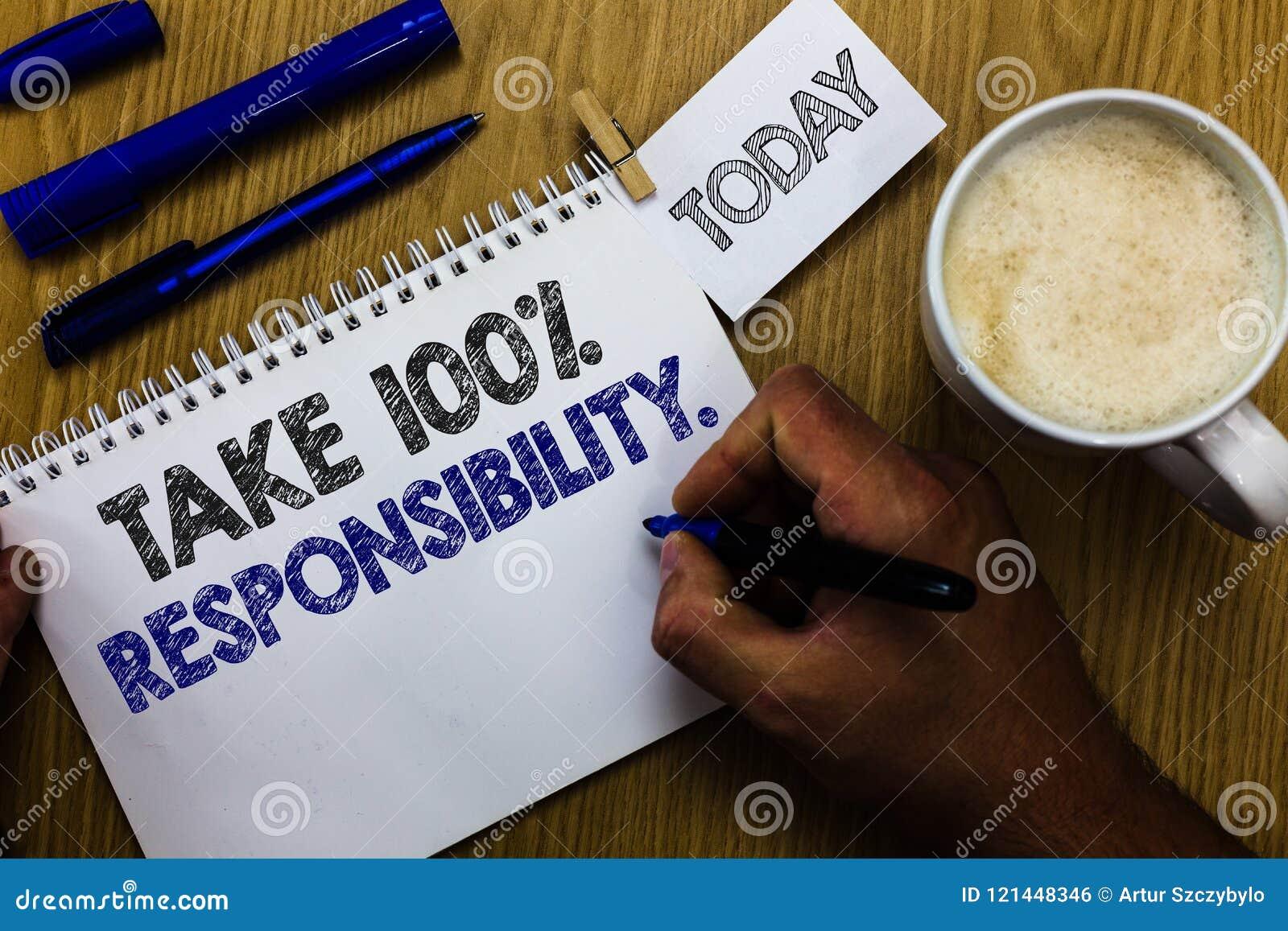 文本标志陈列承担100责任 概念性照片对明细表负责对象做拿着标志的人没有
