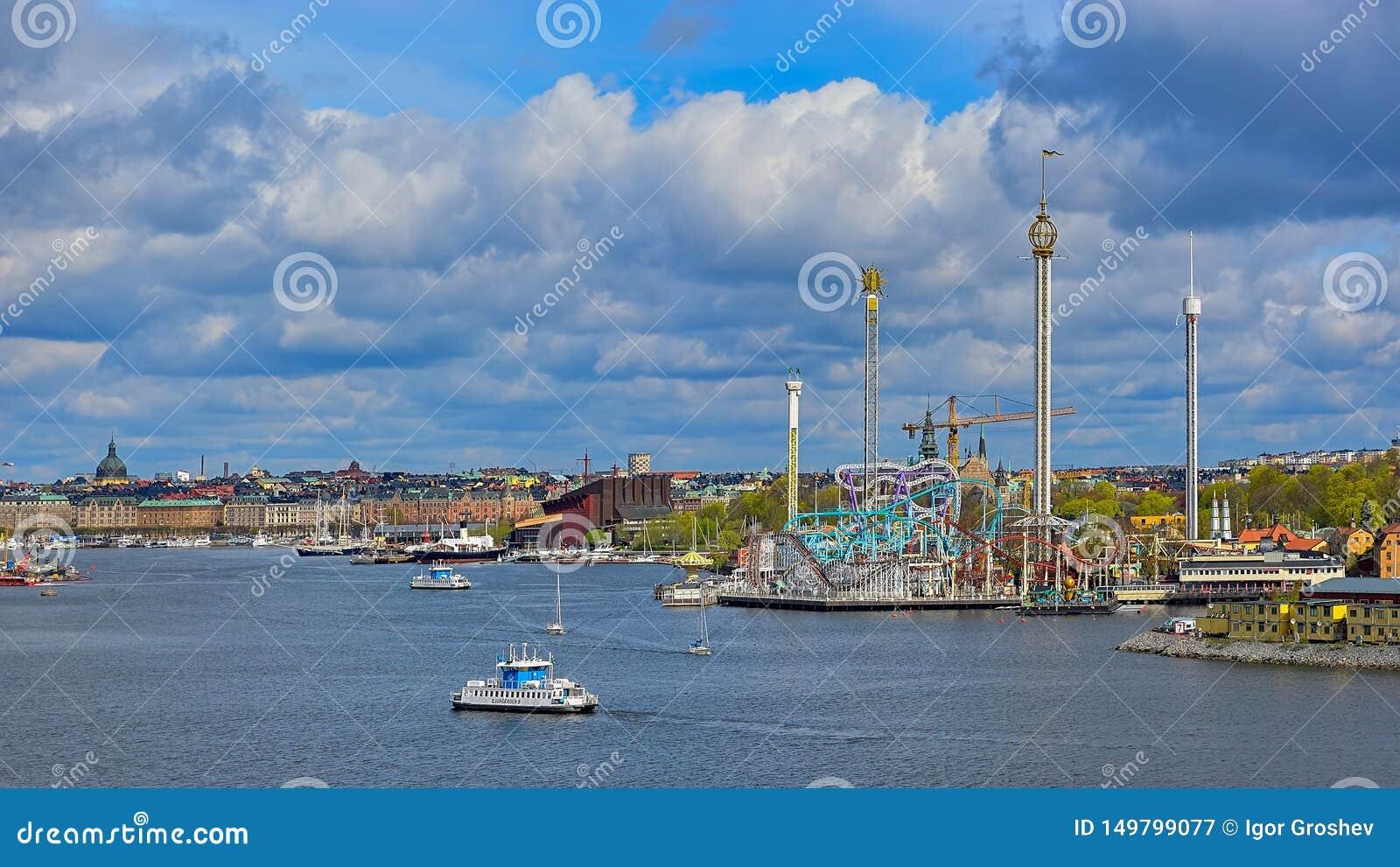 斯德哥尔摩的SL于高登8轮渡、公共交通工具,通行证进行中在Grona隆德游乐场前面和a