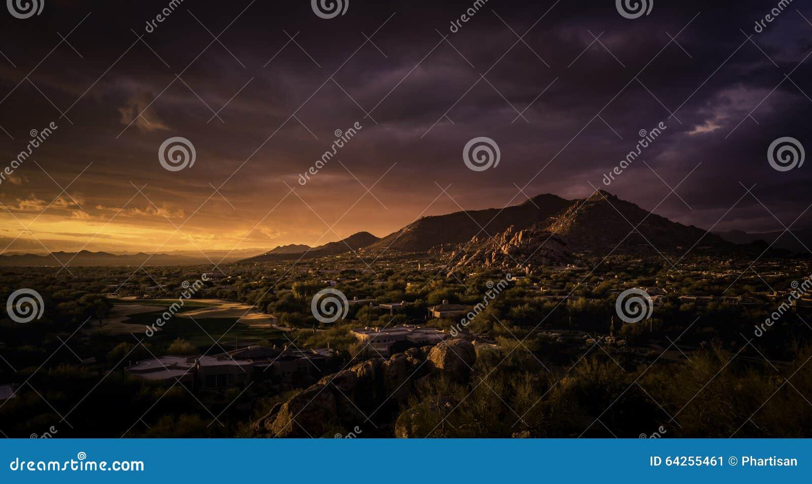 斯科茨代尔, Cavecreek平静的庄严沙漠签证