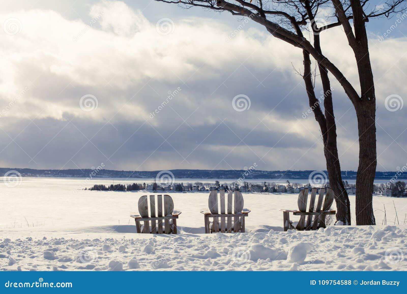 斯诺伊半岛俯视港口点