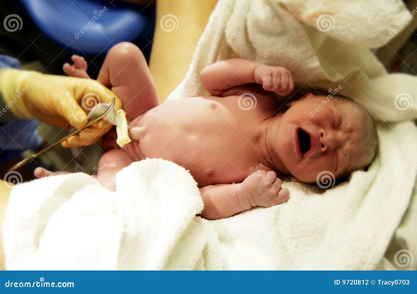 新出生的婴孩