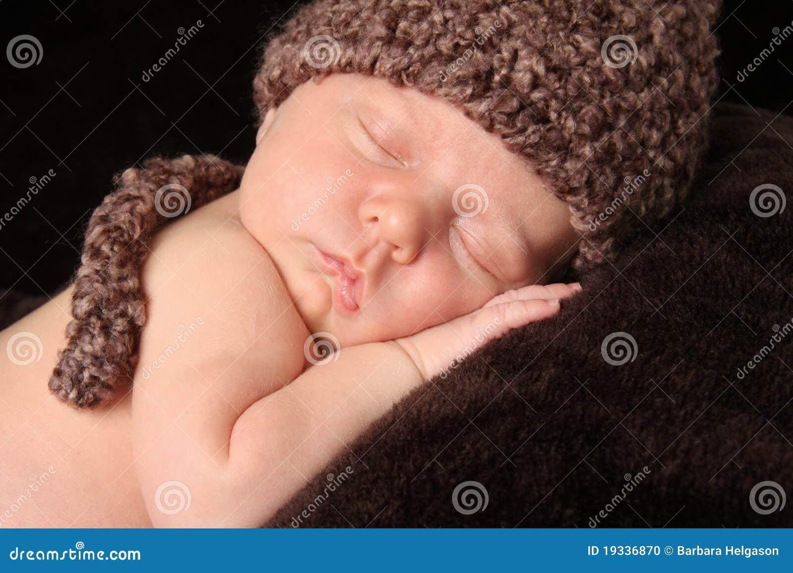 新出生的男婴