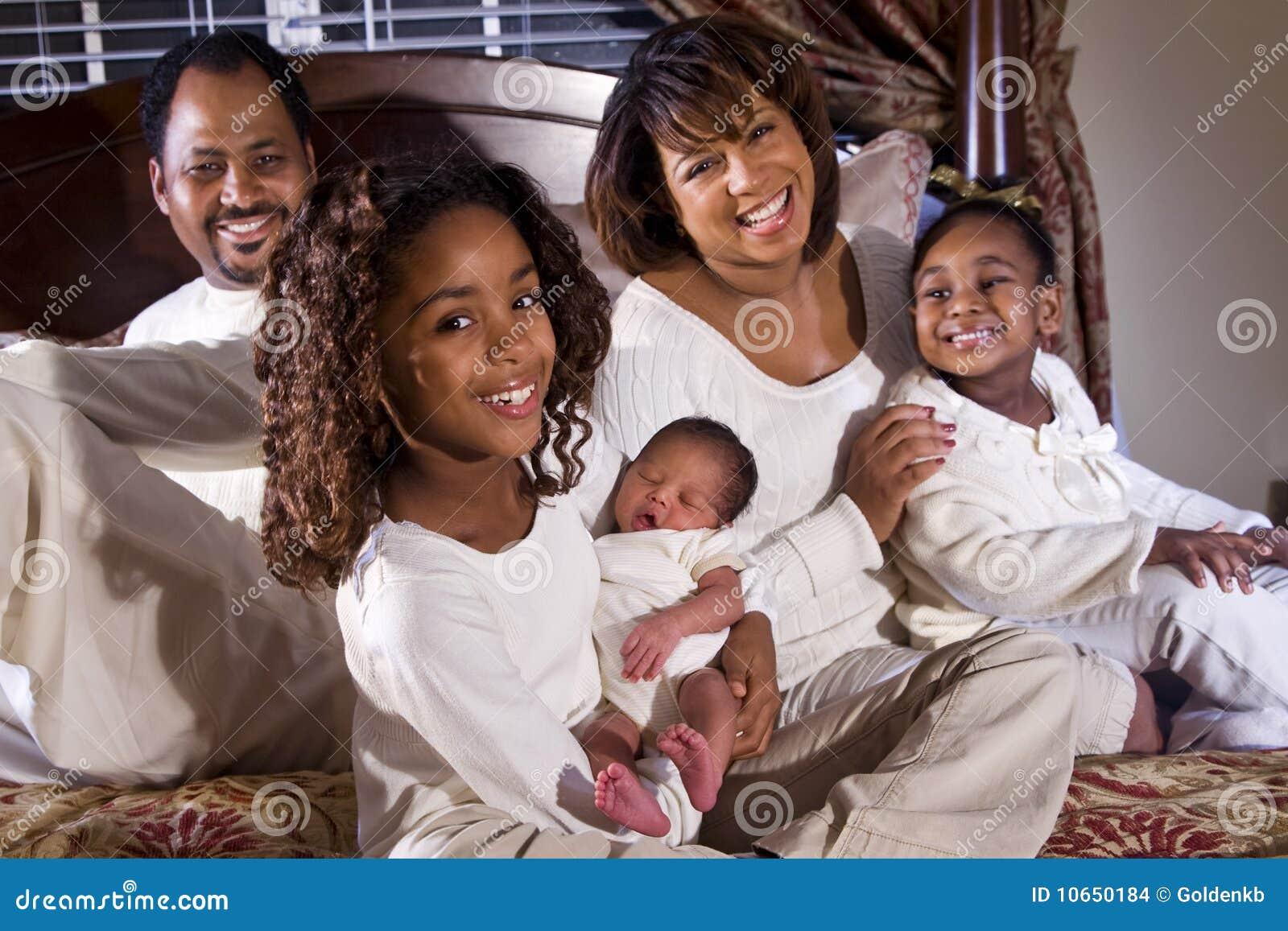 新出生非洲裔美国人的婴孩的系列