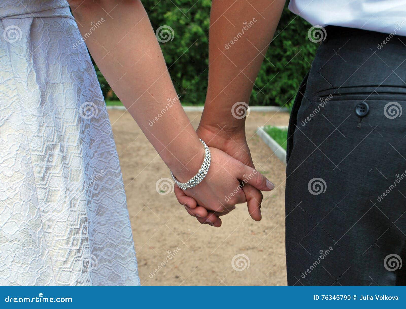 新娘和新郎的现有量