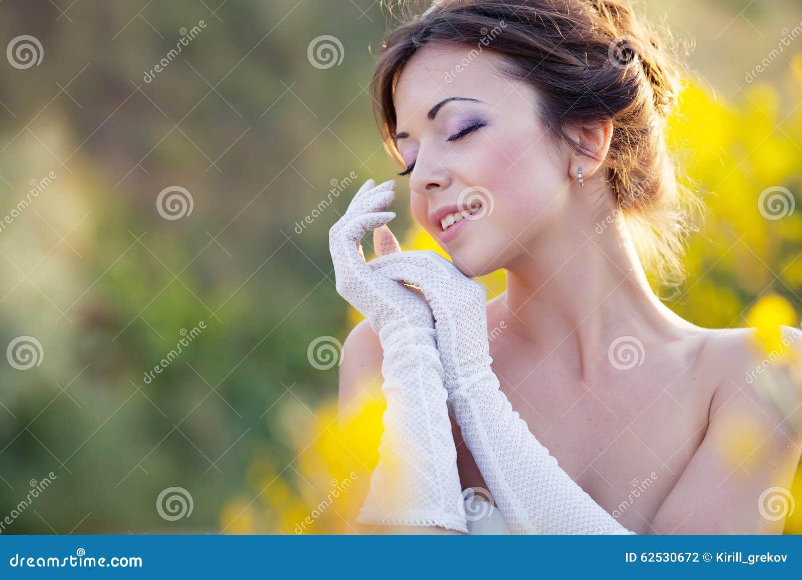 新娘开花室外纵向