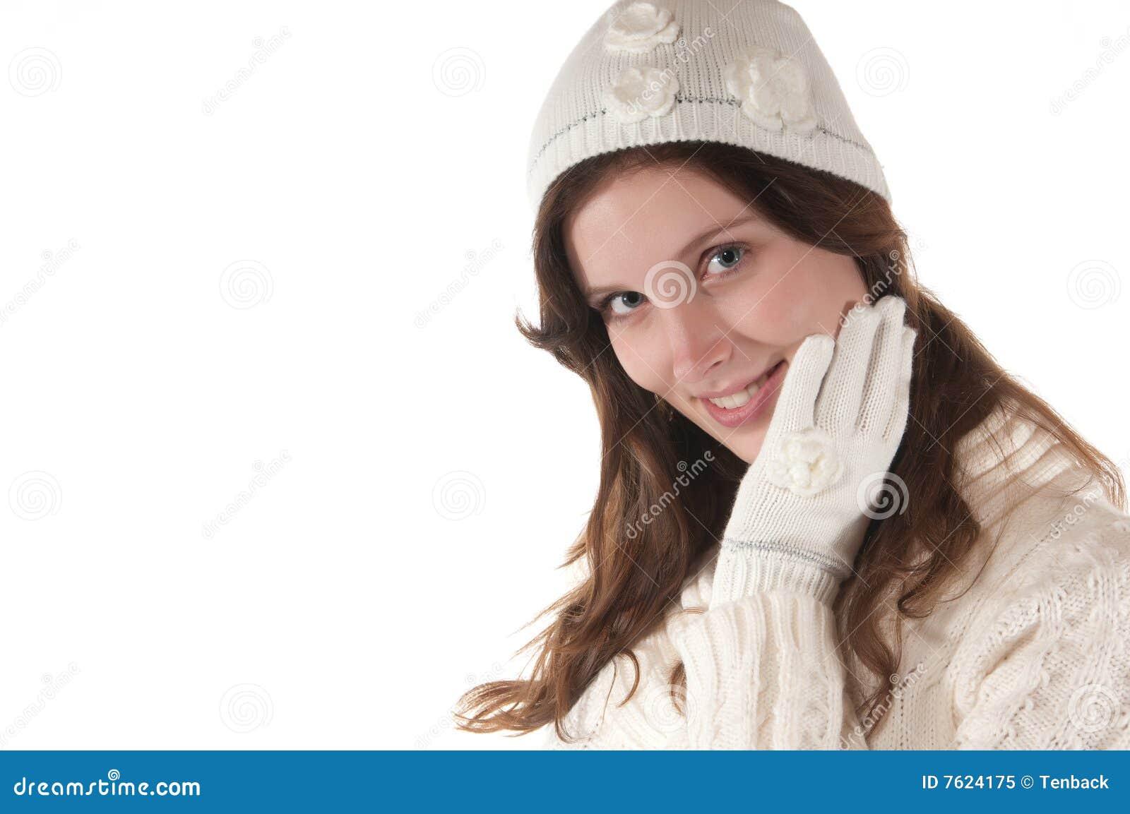 新手套帽子编织的白人妇女