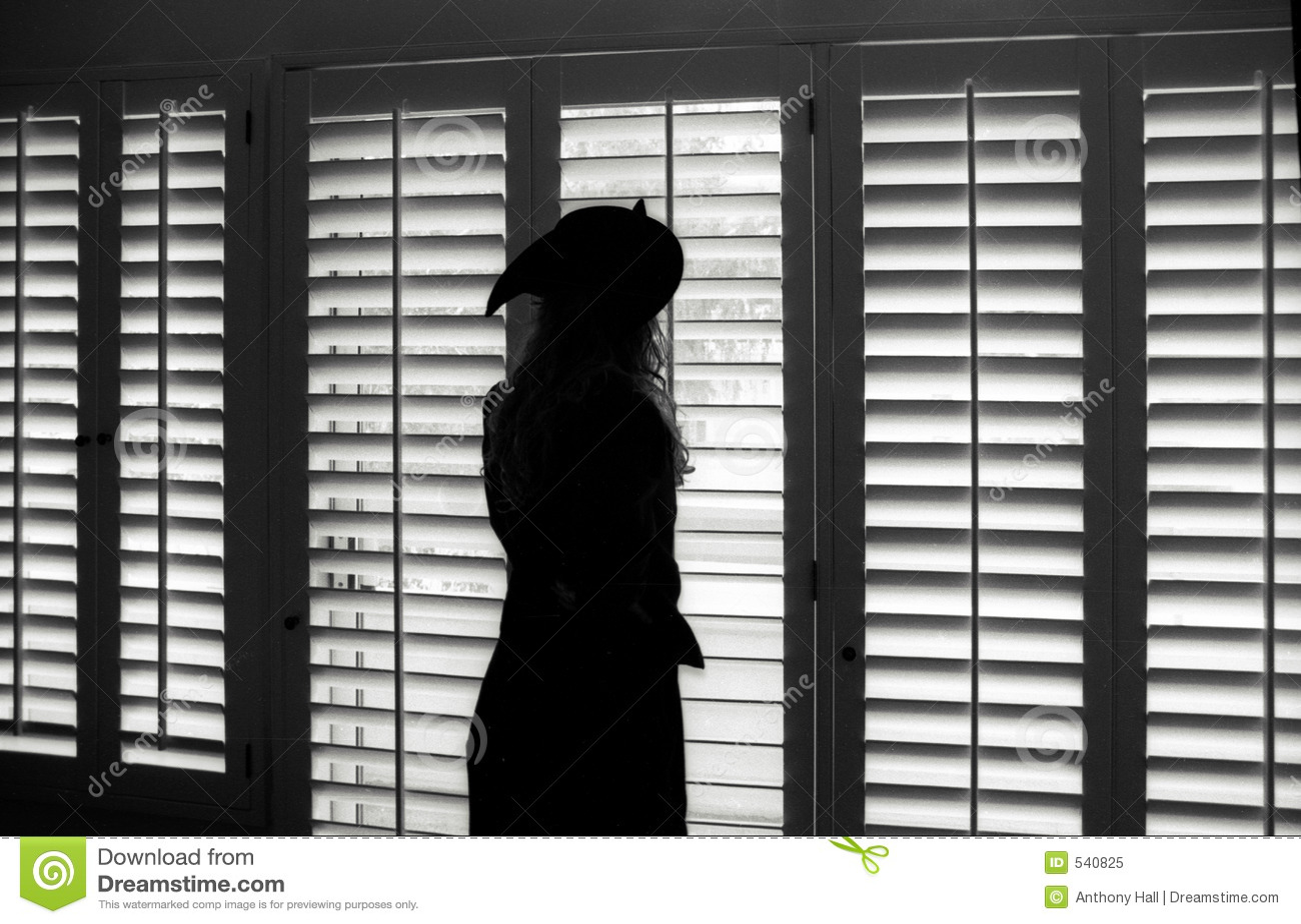 Download 新月形女孩帽子 库存图片. 图片 包括有 偷看, 里面, malibu, 女英雄, 沉思, 安赫莱斯, 预期 - 540825