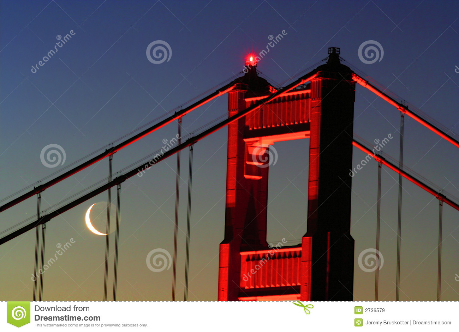 新月形门金黄月亮