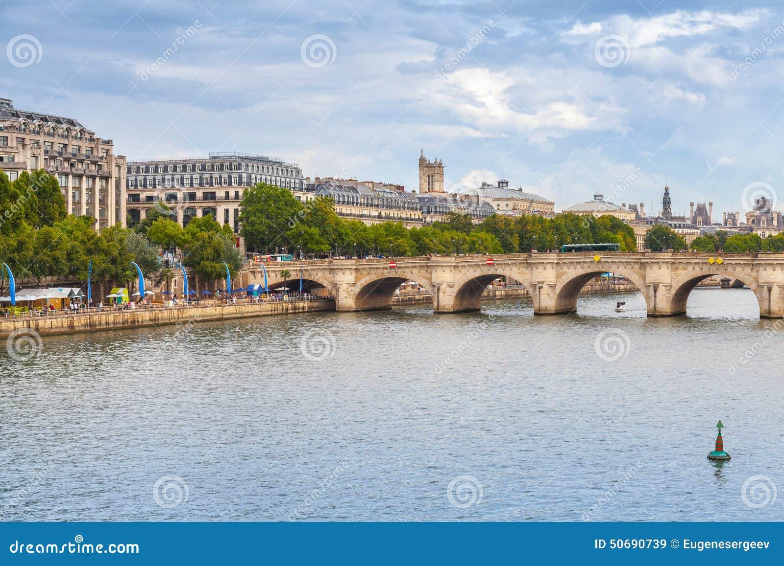 Download 新桥 横跨塞纳河的最旧的桥梁在巴黎 库存图片. 图片 包括有 纪念碑, 石头, 堤防, 著名, 都市风景 - 50690739