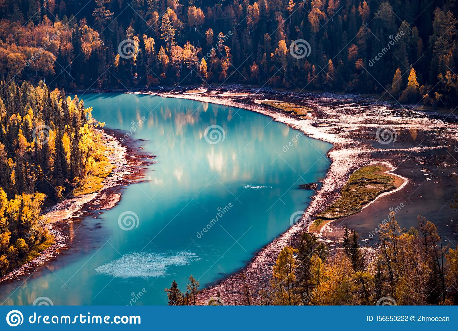 新疆Kanas河风景