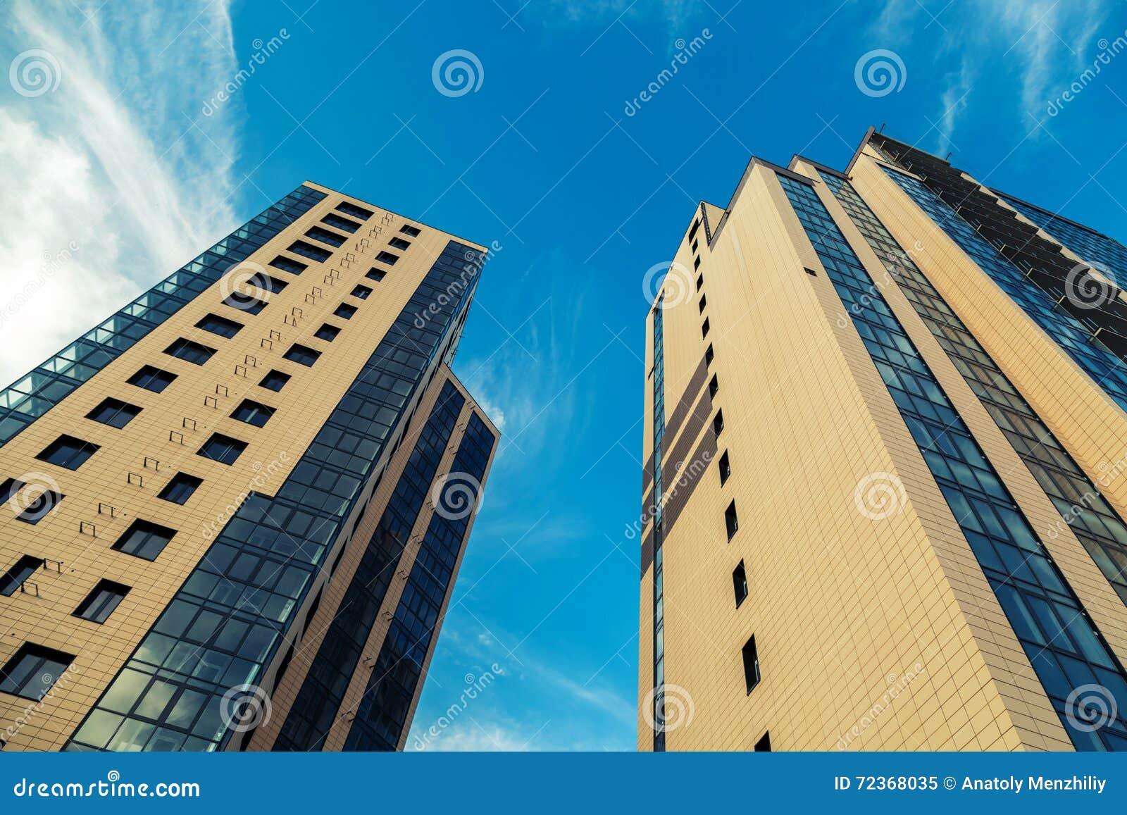 新的大厦公寓夫妇