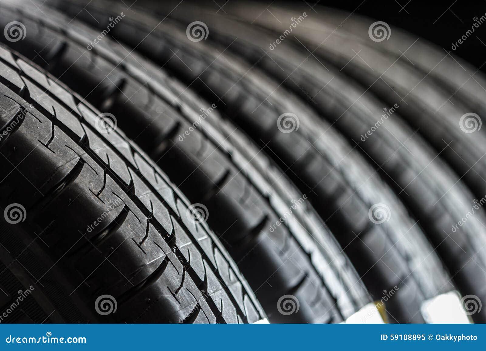新的栈轮胎