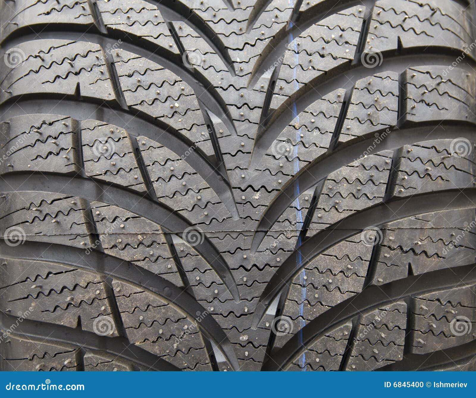 新的轮胎踩