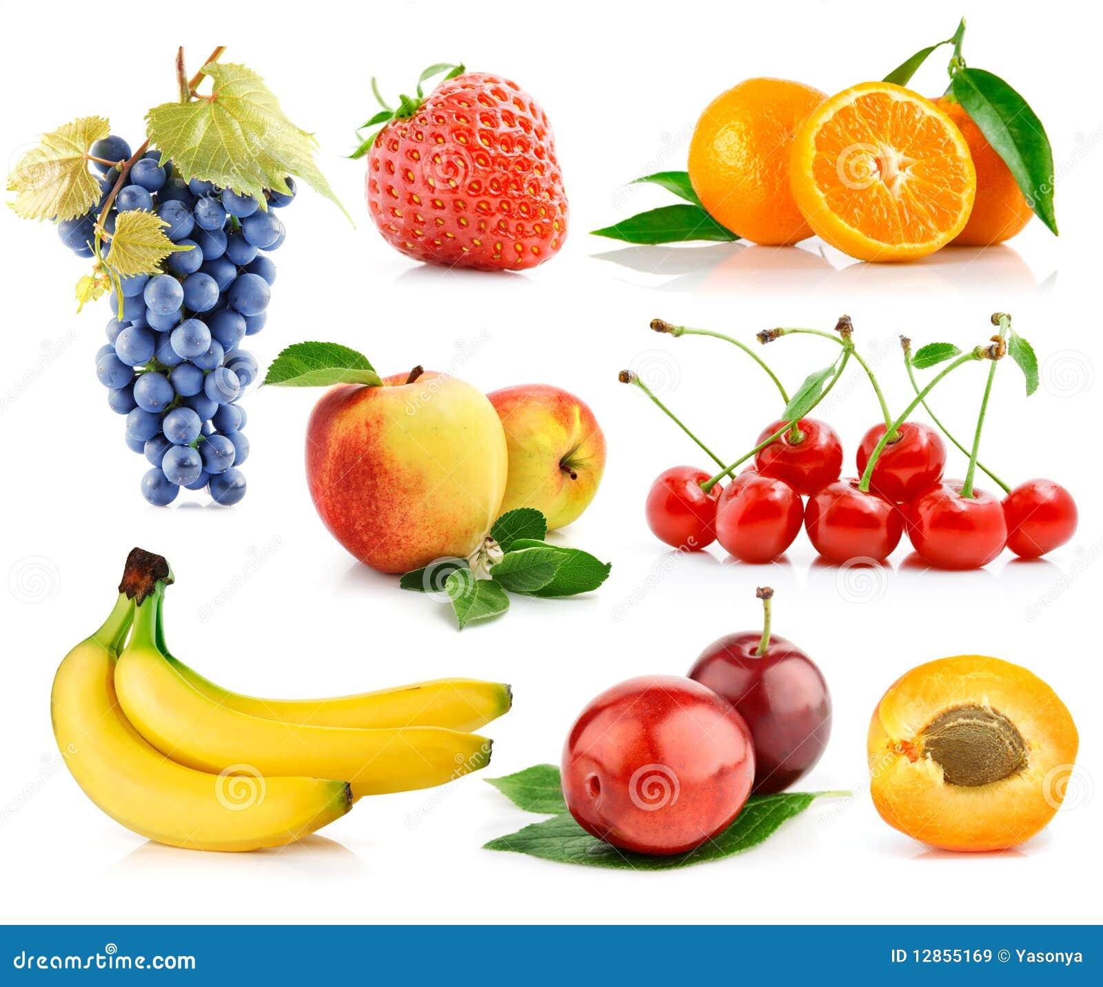 新鲜水果被设置的绿色叶子