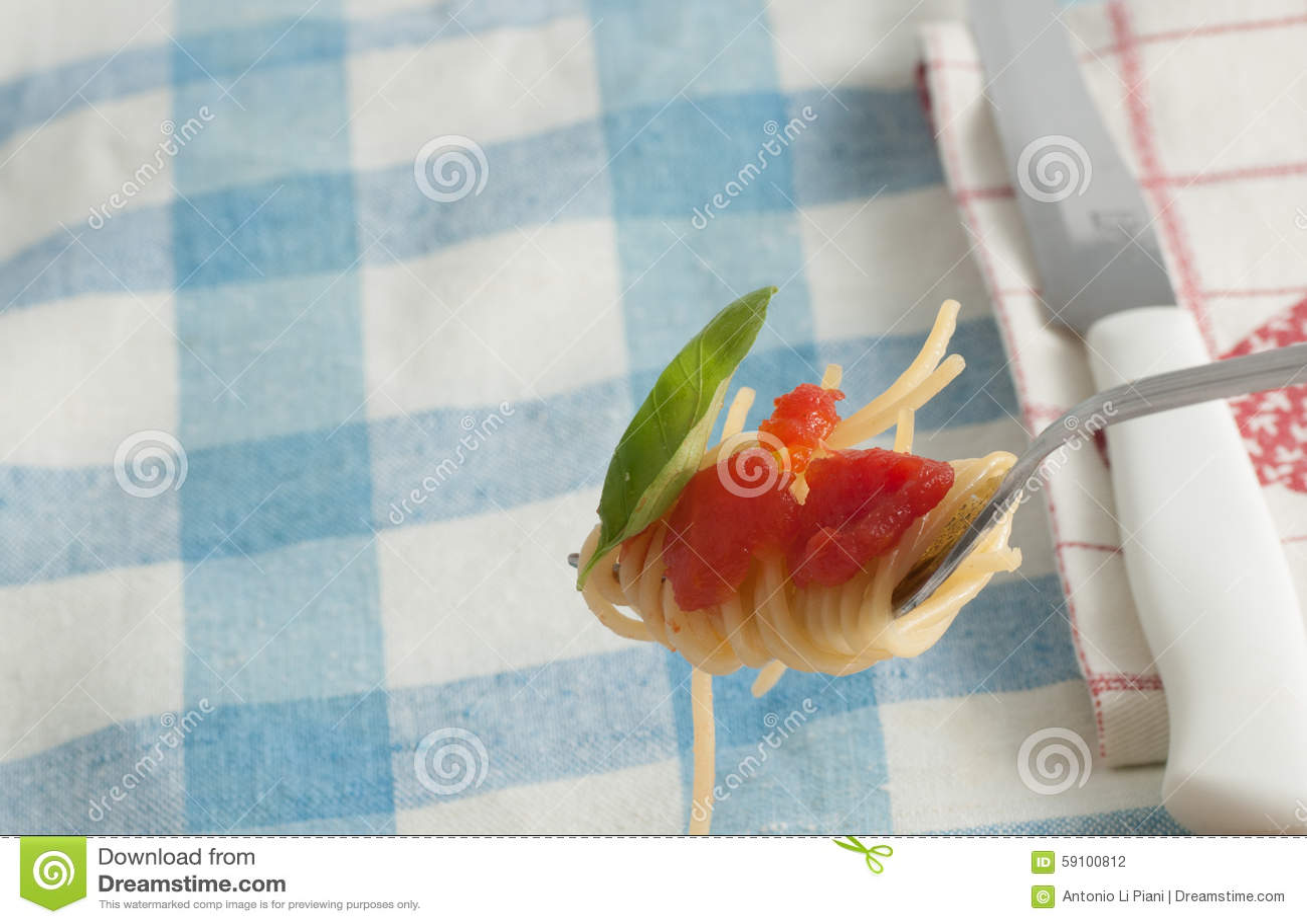 新鲜的意粉蕃茄