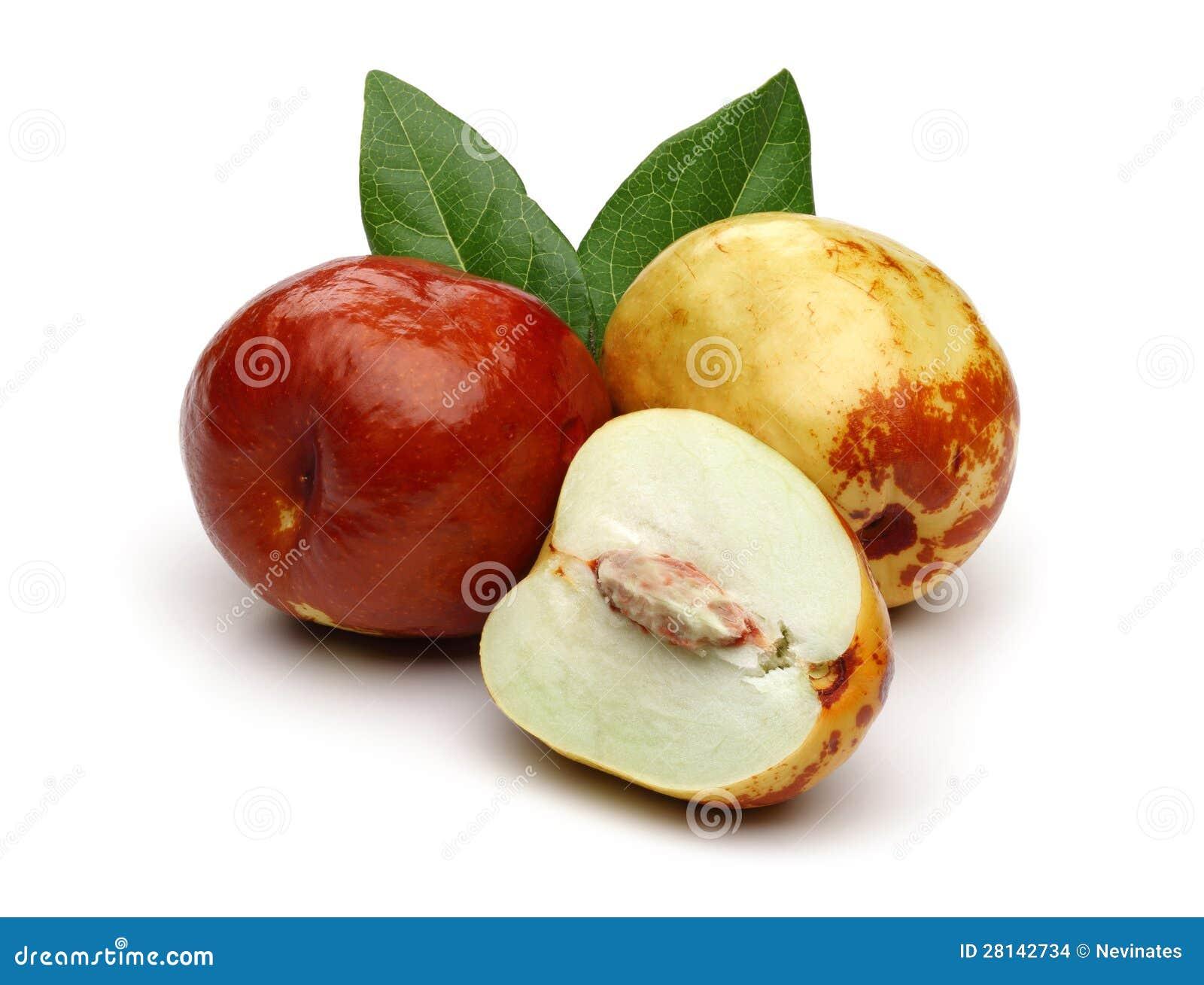 新鲜的枣和叶子