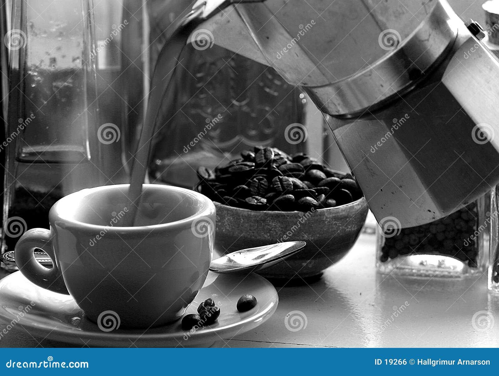 新鲜的浓咖啡