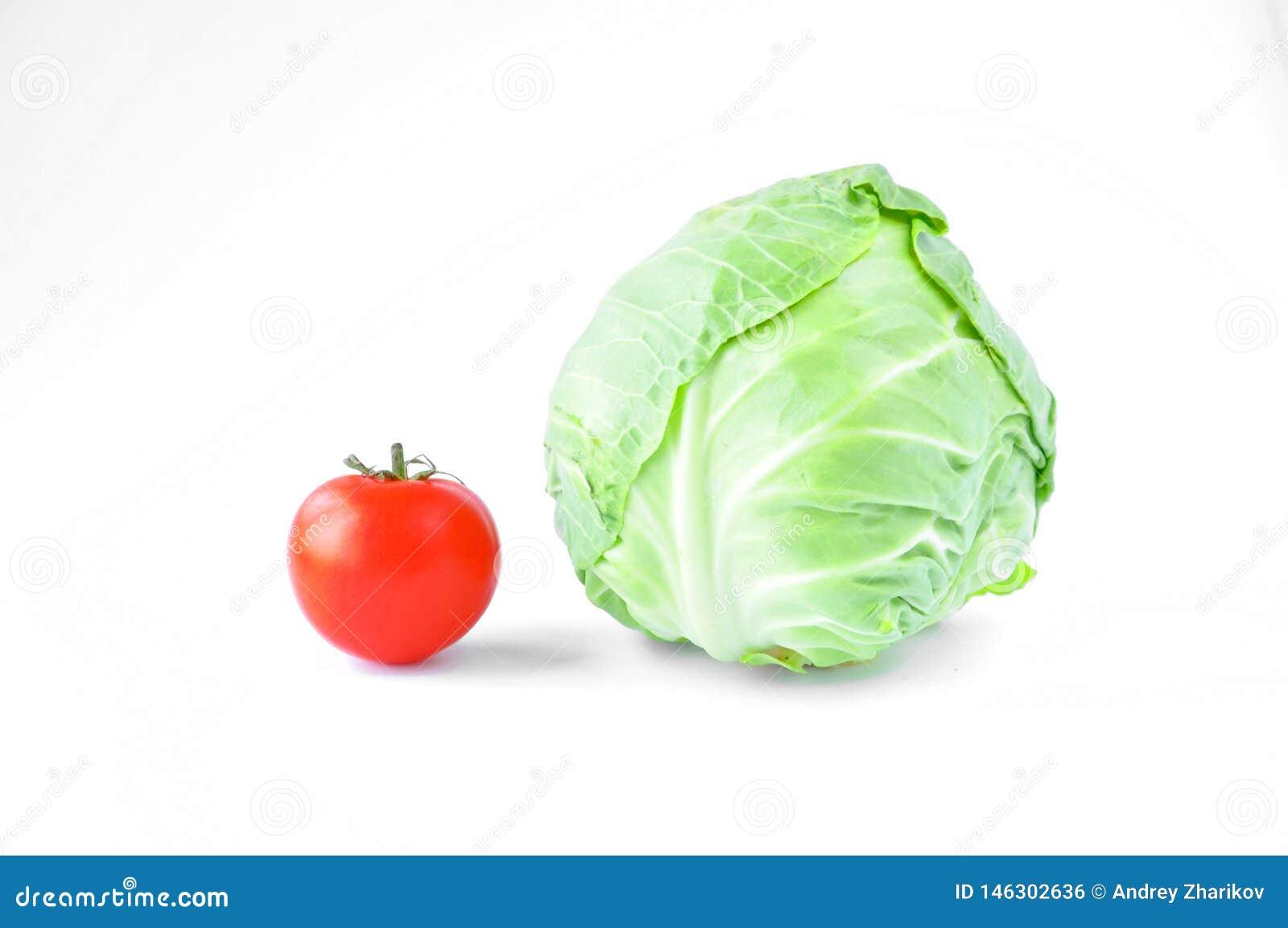 新鲜的蕃茄和圆白菜