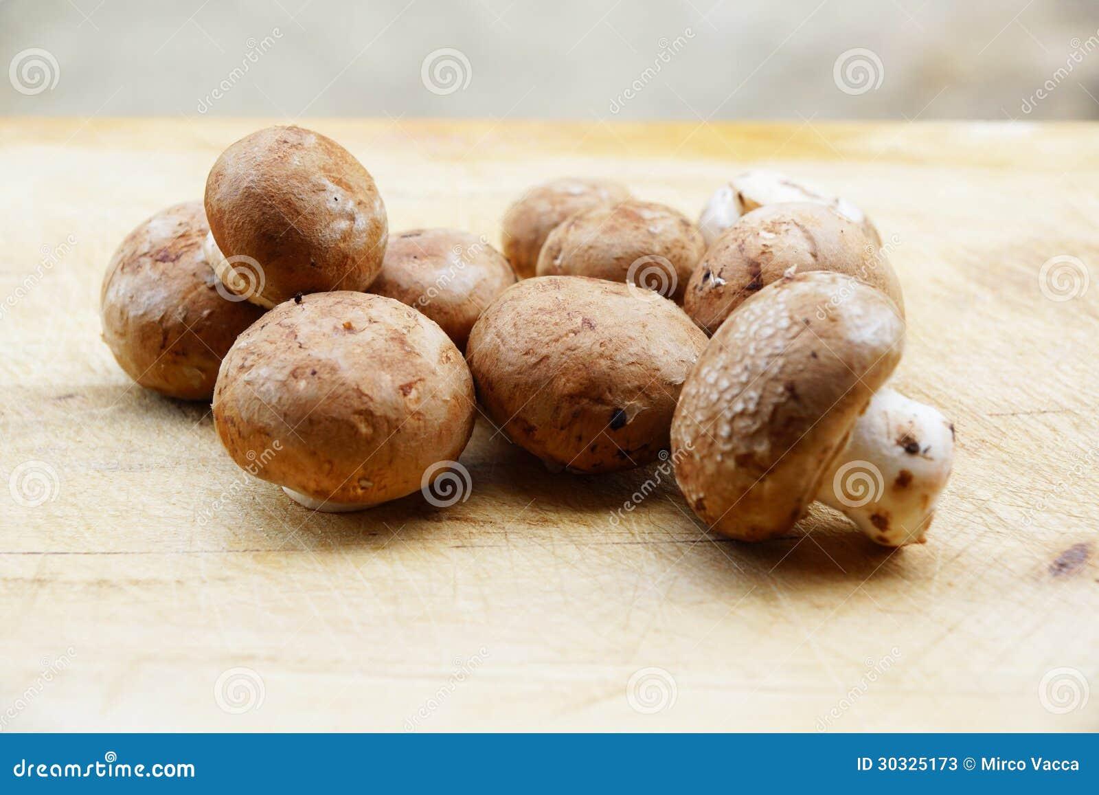 新鲜的蘑菇