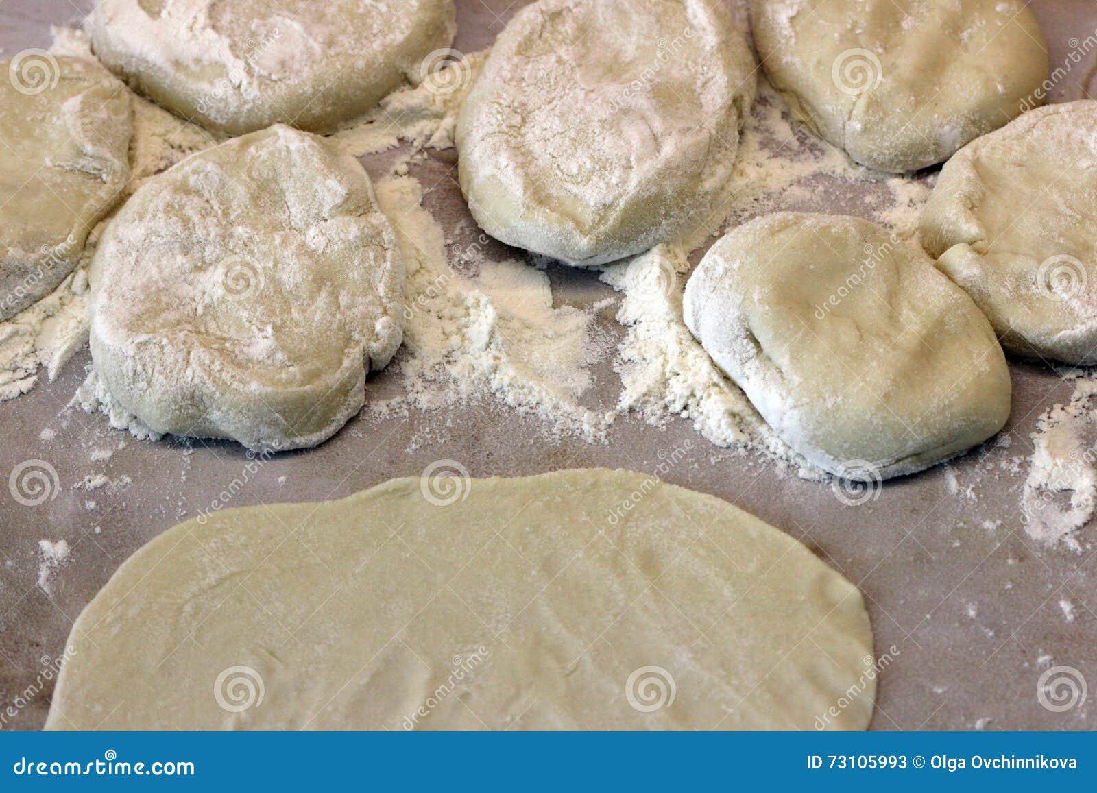 新鲜的蛋糕印地安人薄煎饼的准备