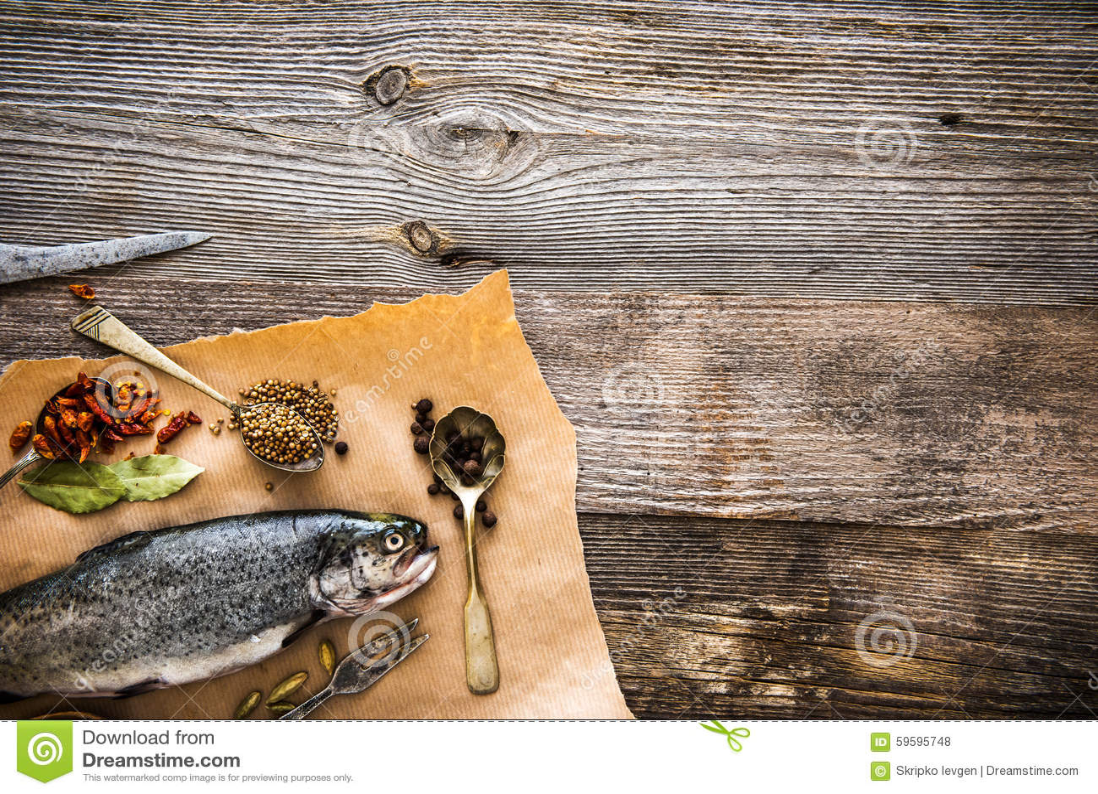 新鲜的鳟鱼