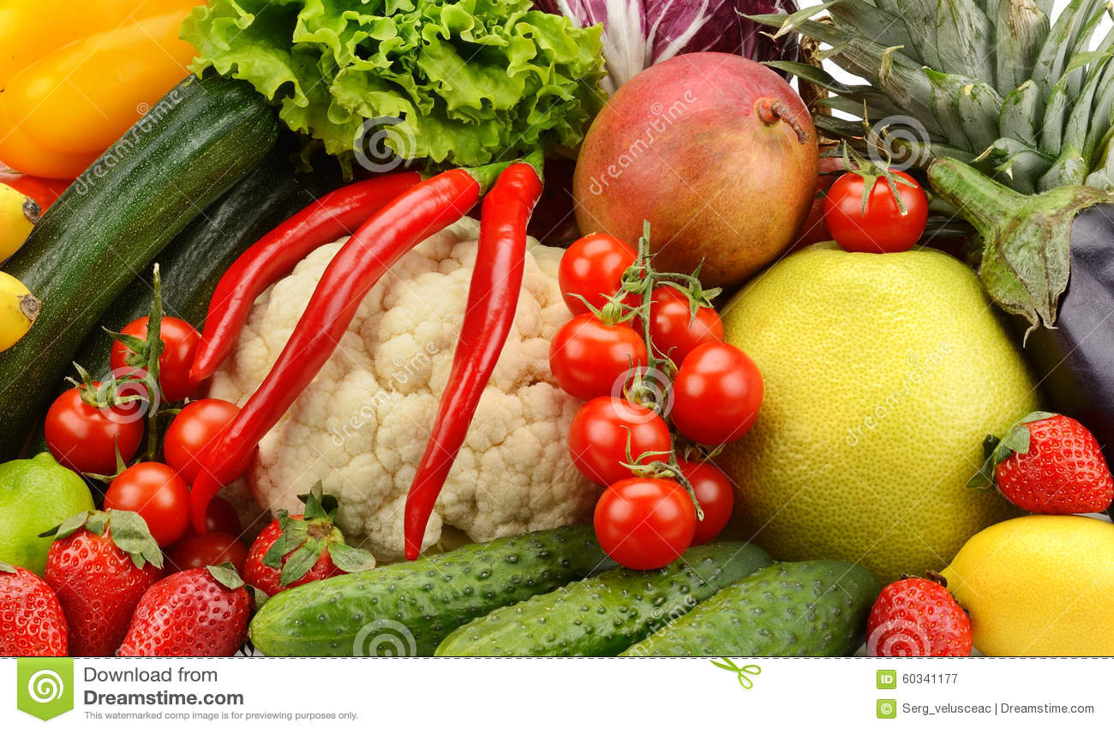 分类新鲜的水果和蔬菜.