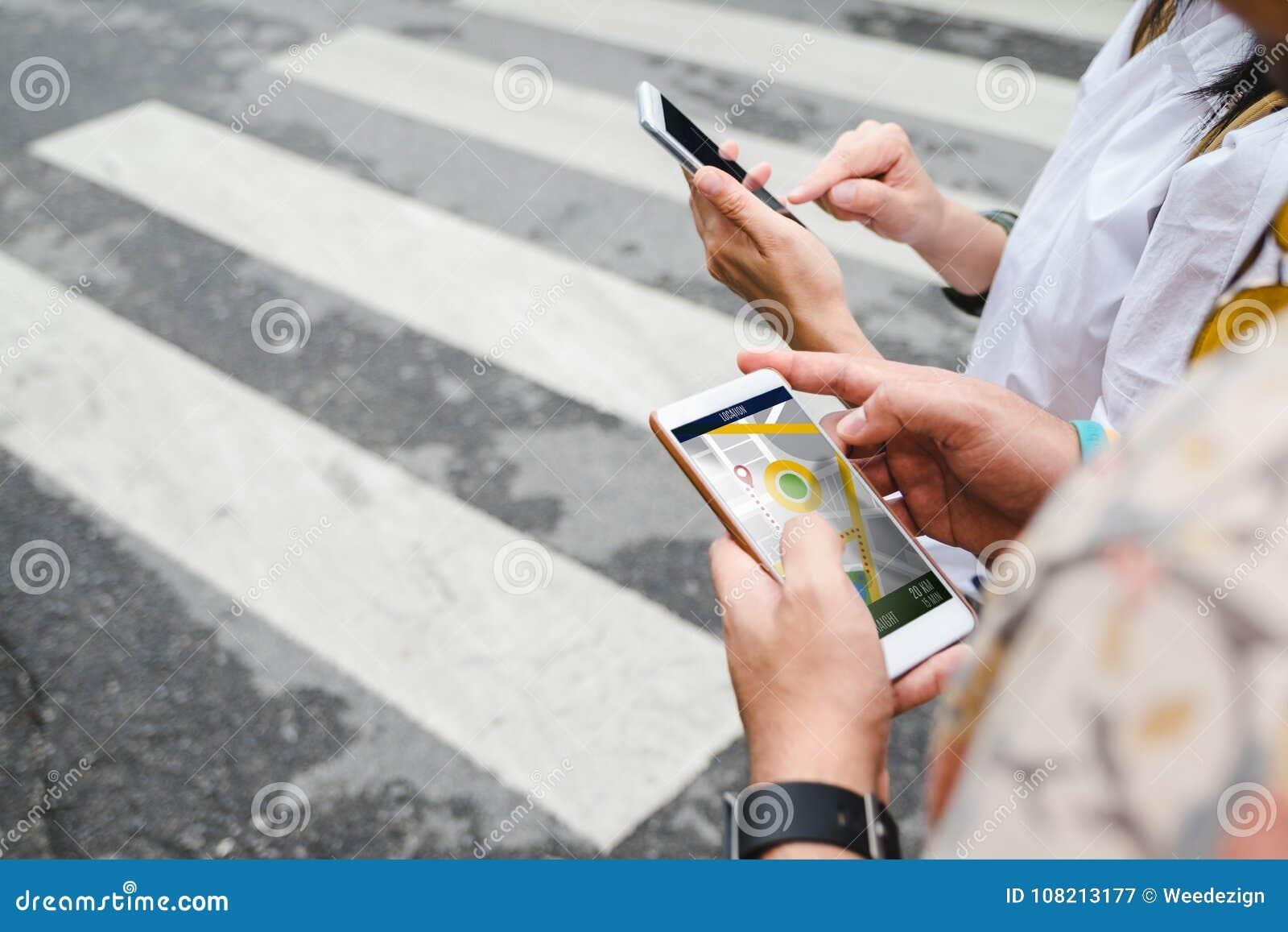 旅客在搜寻的手机app的用途地图路线locatio