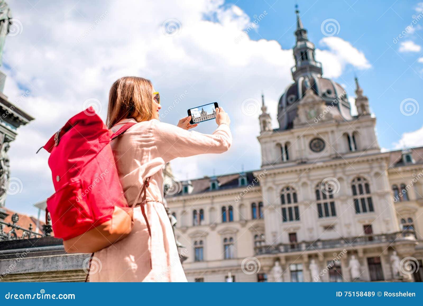 旅行在格拉茨,奥地利的妇女