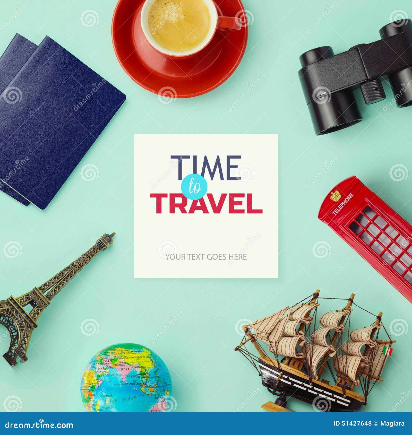 旅行概念嘲笑设计 对象与旅行和旅游业关连在白纸附近 在视图之上