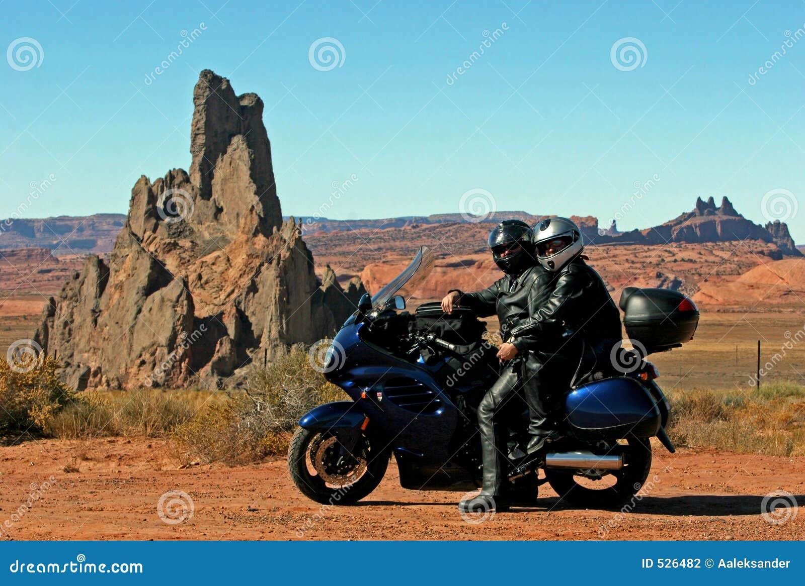 Download 旅行 库存照片. 图片 包括有 浪费, 旅行, 引擎, 旅途, 皮革, 马达, 轮子, 科罗拉多, arizonian - 526482